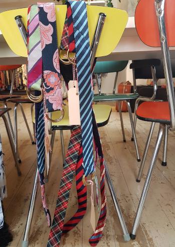 Blije Meisjes Harderwijk Vintage Boetiek en Awearness Fashion